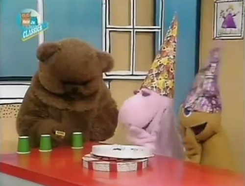 laugh at bungle
